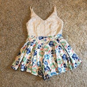 Depri white lace and shorts floral romper Sz S